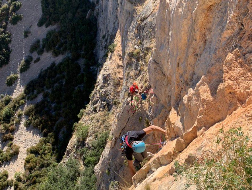 Concentració d'escalada en les diferents parets del Pre-Pirineu, del 10 al 17 d'octubre. Primera parada: Cienfuens (Osca)